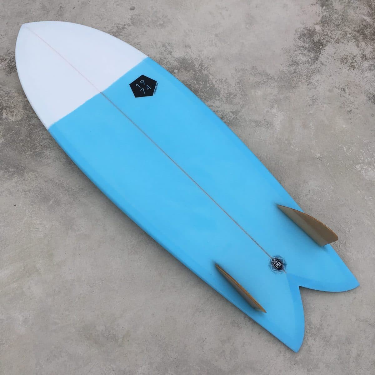 Prancha de surf fish retro twin fin 1974 Surfboards